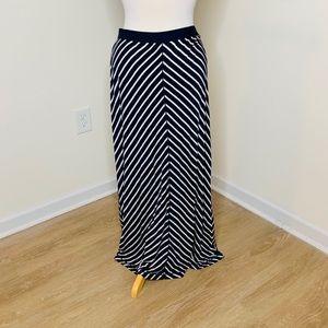 🎉5 for $25🎉 Max Studio Maxi Skirt